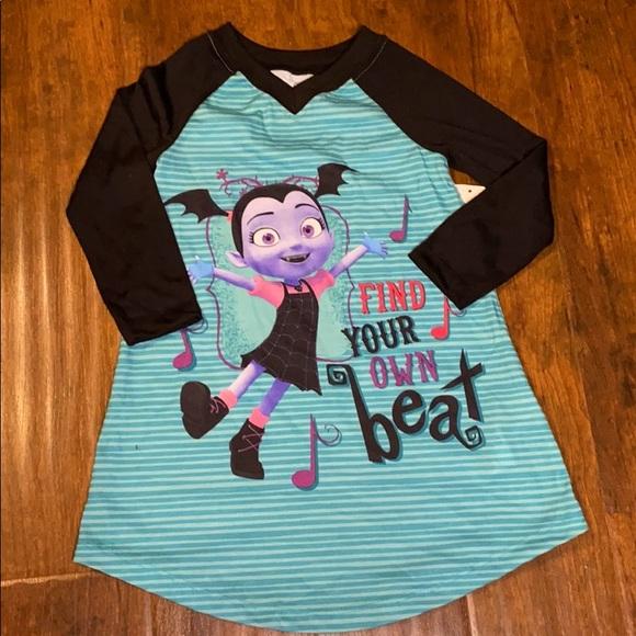 🎈4/$24 NWT-Size 3 Disney Vampirina Nightgown